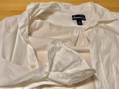 ワイシャツの襟元と袖元